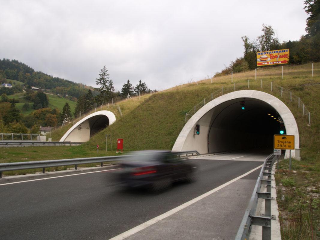 Analiza tveganja za obstoječe avtocestne predore